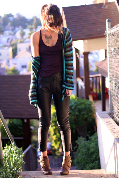 brown UO boots - leather vintage pants - tank Bella top