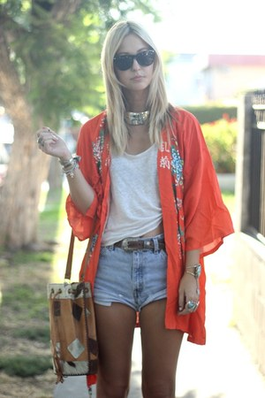 orange kimono vintage jacket - bucket vintage bag - diy vintage shorts