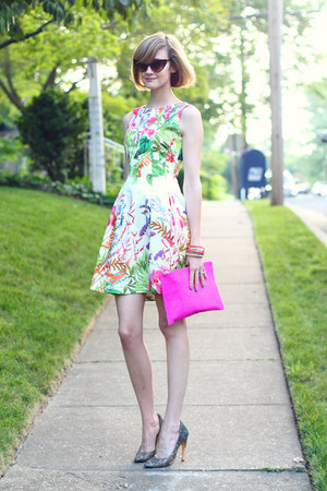 hot pink clutch asos bag - bubble gum floral Zara dress