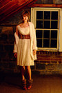 Ivory-gap-sweater-ivory-vintage-dress-tawny-h-m-belt-tawny-dolce-vita-boot