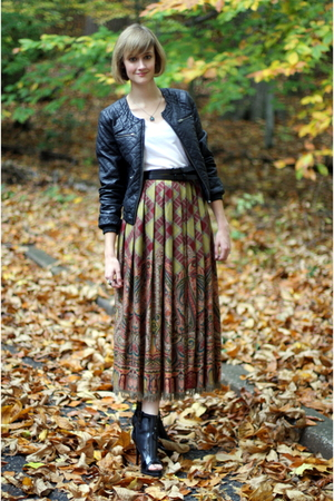vintage skirt - H&amp;M jacket - Forever 21 belt - Givenchy boots - vintage necklace