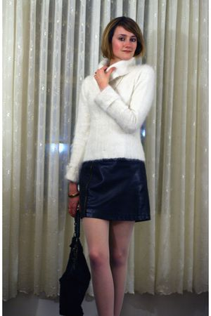 white Illig sweater - gold vintage necklace - black Urban Outfitters skirt - bla