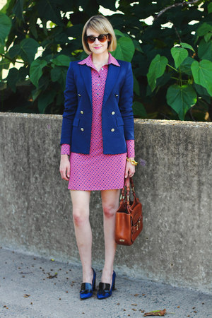 navy fitted Zara blazer - salmon shirtdress Ellie Kai dress