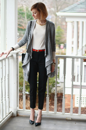 red skinny Violet DC belt - heather gray Joie sweater