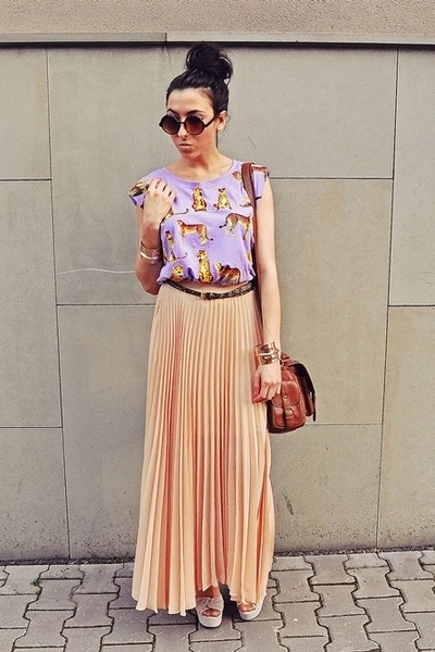 light purple wwwromwecom t-shirt - nude wwwjovonnalondoncom skirt