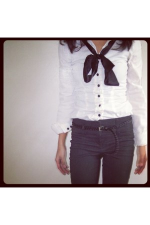white H&amp;M blouse