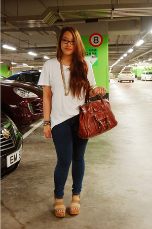 random t-shirt - Topshop jeans - gap pierre hardy shoes - Chloe