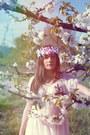 White-vintage-dress-bubble-gum-doll-poupée-hair-accessory