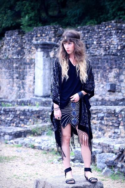 black Me Undies top - black Doll Poupée jacket - black Air Step sandals