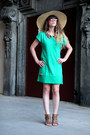 Green-zara-diy-dress-beige-kling-hat-brown-andré-heels