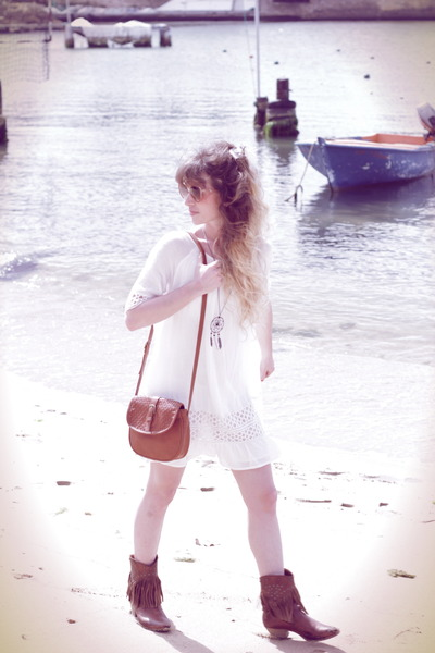 dark brown H by Hudson boots - white Vila dress - dark brown Only bag