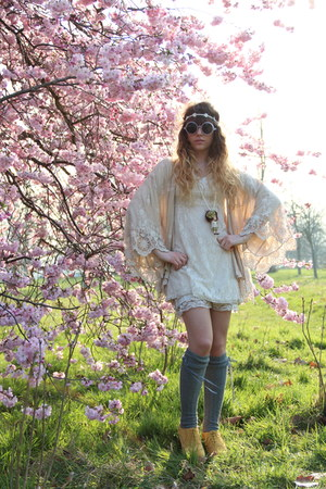 lace Molly Bracken dress - Topshop sunglasses - lace Zara cardigan