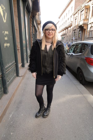 Zara coat - doc martens boots - beret New Yorker hat - Bershka blouse