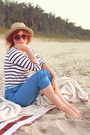 Beige-straw-hat-hat-red-heart-shaped-thrifted-sunglasses-off-white-stripes-t