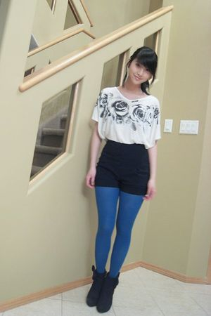white top - black shorts - blue joe fresh style tights - black boots