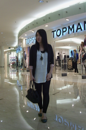 white Zara top - green Topshop shoes - black Anna Sui accessories - gold lips ac