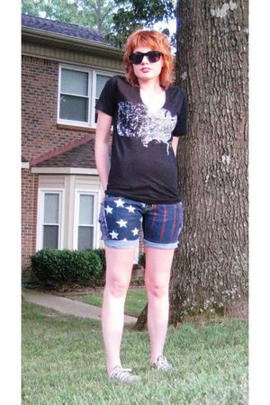 black 1776United shirt - blue DKNY shorts - red converse all stars shoes