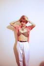 Pink-blouse-white-pants-beige-bra-silver-accessories-brown-accessories