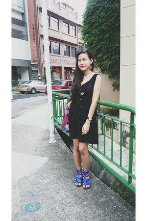 black From Bali Indonesia dress - blue plato Steve Madden sandals