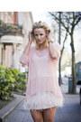 Tulle-zara-top-leather-miu-miu-bag-feathered-zara-skirt