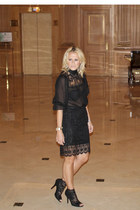 black lace Dolce and Gabbana blouse - black lace Dolce and Gabbana heels