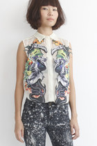 Taxidermy & Floral Motifs Mesh Sleeveless Shirt