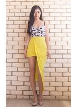 yellow asymmetrical Showpo skirt - black daisy bustier lookbookstore top