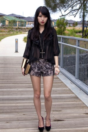 black clutch Choies bag - gray lace Forever 21 shorts