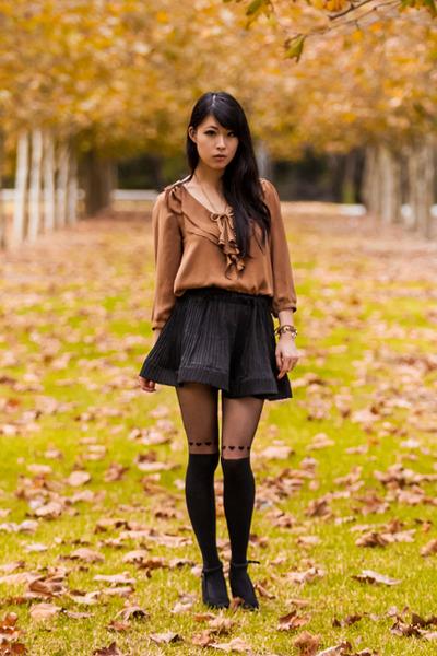 brown bardot blouse - black heart printed Forever New stockings