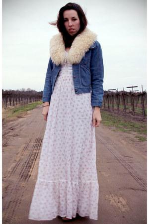 cream sheepskin vintage scarf - tawny cowboy thrifted vintage boots