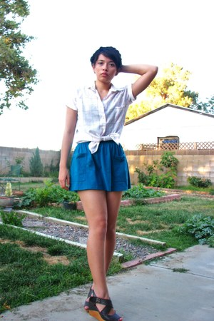 teal kirra skirt - white thrift blouse - heather gray velcro TW Simply wedges