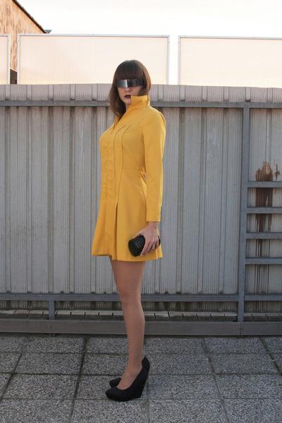 black no name bag - mustard vintage dress - silver OASAP sunglasses