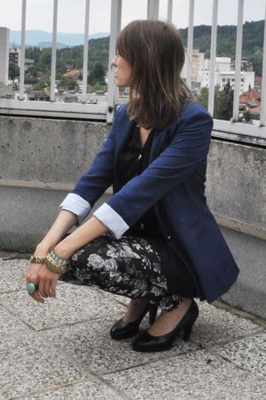 blue Zara blazer - black H&M dress - black H&M leggings - black no name shoes
