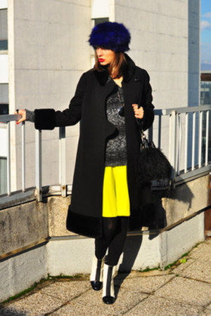 charcoal gray H&amp;M sweater - white asos boots - black vintage coat