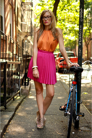 hot pink pleated skirt Hallelu skirt - tan modcloth wedges - orange Zara blouse