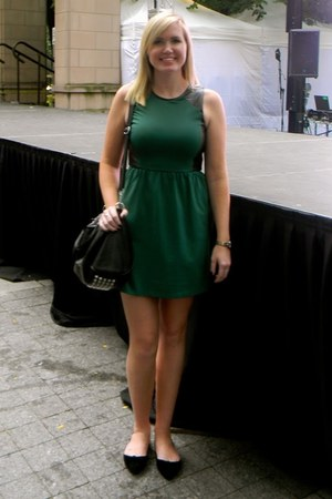 black Ardene shoes - green winners dress