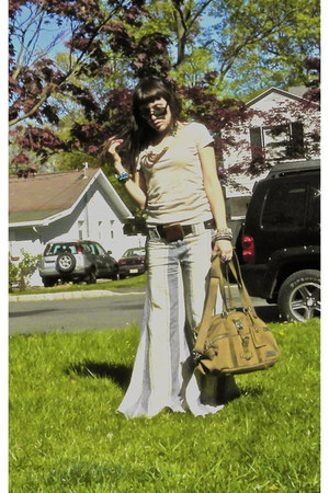 light brown burton mark xiii bag - gold JCrew t-shirt - cream free people pants