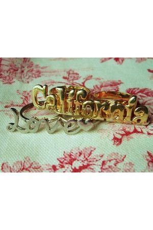 gold accessories - silver accessories
