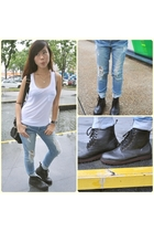 Forever 21 jeans - cotton on top - online boots - Charles and Keith accessories