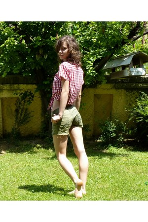 red H&M shirt - olive green Miss Olive shorts