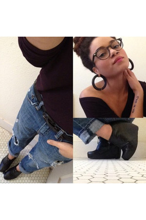 boyfriend American Eagle jeans - eggplant Gap top - black Forever 21 wedges