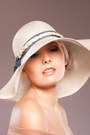 Floppy-hat-ella-gajewska-millinery-accessories