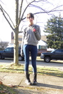 Gray-thrifted-gloves-gray-scarf-gray-thrifted-sweater-blue-bdg-jeans-gra