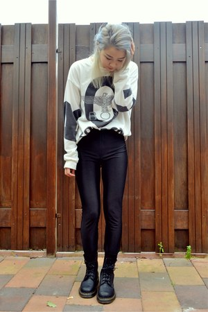 black River Island leggings - doc martens boots - ivory Boy London sweatshirt