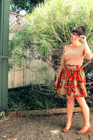 olive green thrifted skirt - burnt orange striped Old Navy top
