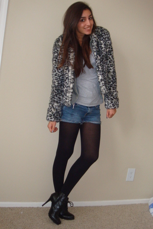 gray H&M jacket - gray juicy couture really old jacket - black Dollhouse boots
