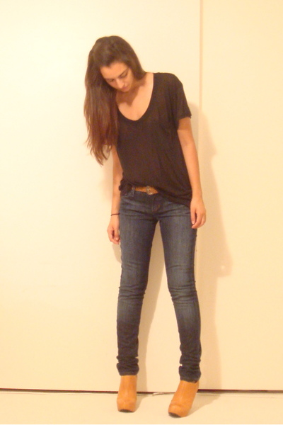 Express t-shirt - vintage belt - joes jeans - Frye shoes