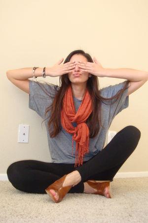 gray American Apparel t-shirt - orange H&M scarf - black Express leggings - brow