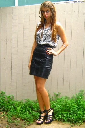 vintage top - vintage skirt - Spendless shoes - vintage necklace