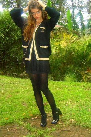 vintage chanel jacket - vintage dress - Novo shoes
